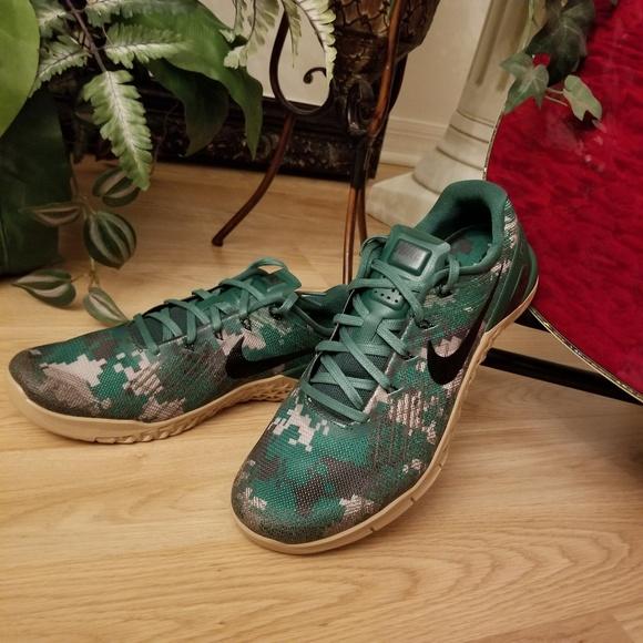 official photos c832c 0bb3a Rare Nike Metcon 3 Camo Training Shoes. M 5b08f3102c705de5a2302e5c